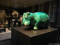Dit nijlpaard beeldje was een gift voor vruchtbaarheid en nieuw leven naar de dood.